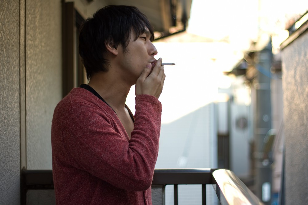 https---www.pakutaso.com-assets_c-2015-05-PAK85_berandatabakosuuookawa-thumb-1000xauto-15594